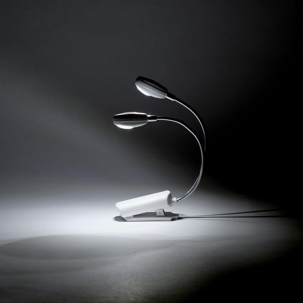 Luz de Leitura 4 LED com Clip Branco