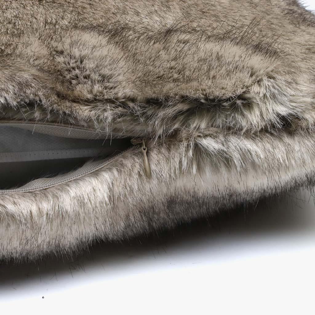 Capa de Almofada Pelo Castanho 45x45 cm
